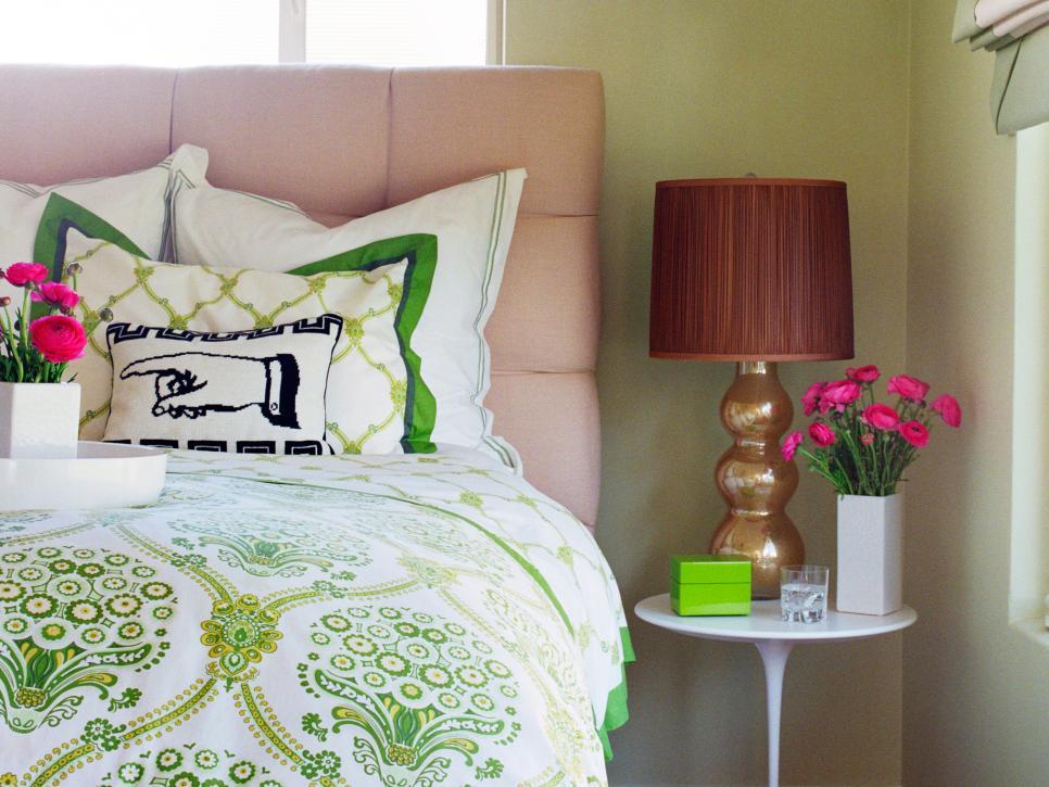 dp_valencich-eclectic-bedroom_s4x3-jpg-rend-hgtvcom-966-725