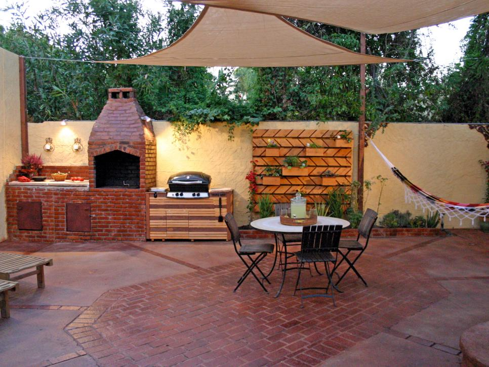 hheds601_outdoor-kitchen-grill-brick-patio_s4x3-jpg-rend-hgtvcom-966-725