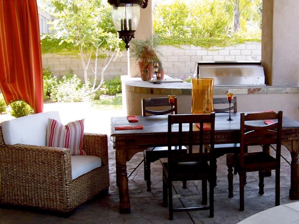 hstar5_hultgren-outdoor-dining-kitchen_s4x3-jpg-rend-hgtvcom-966-725