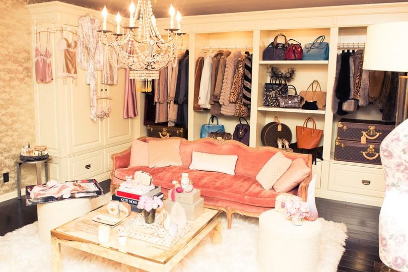 Rosie Huntington – Whiteley walk in closet