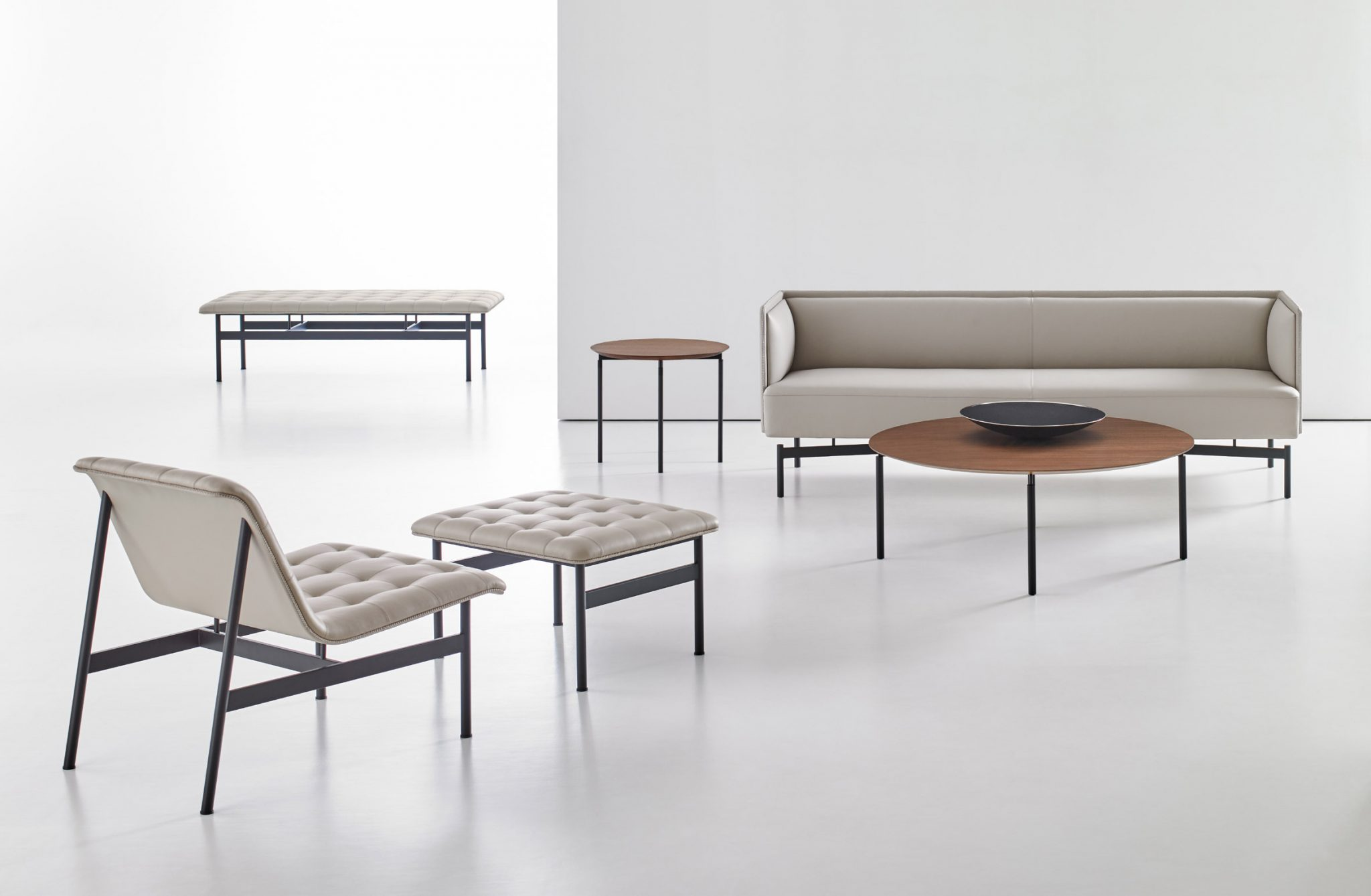 new-collection-charles-pollock-bernhardt-design-new-york-showroom-chair-furniture-design_dezeen_2364_col_3