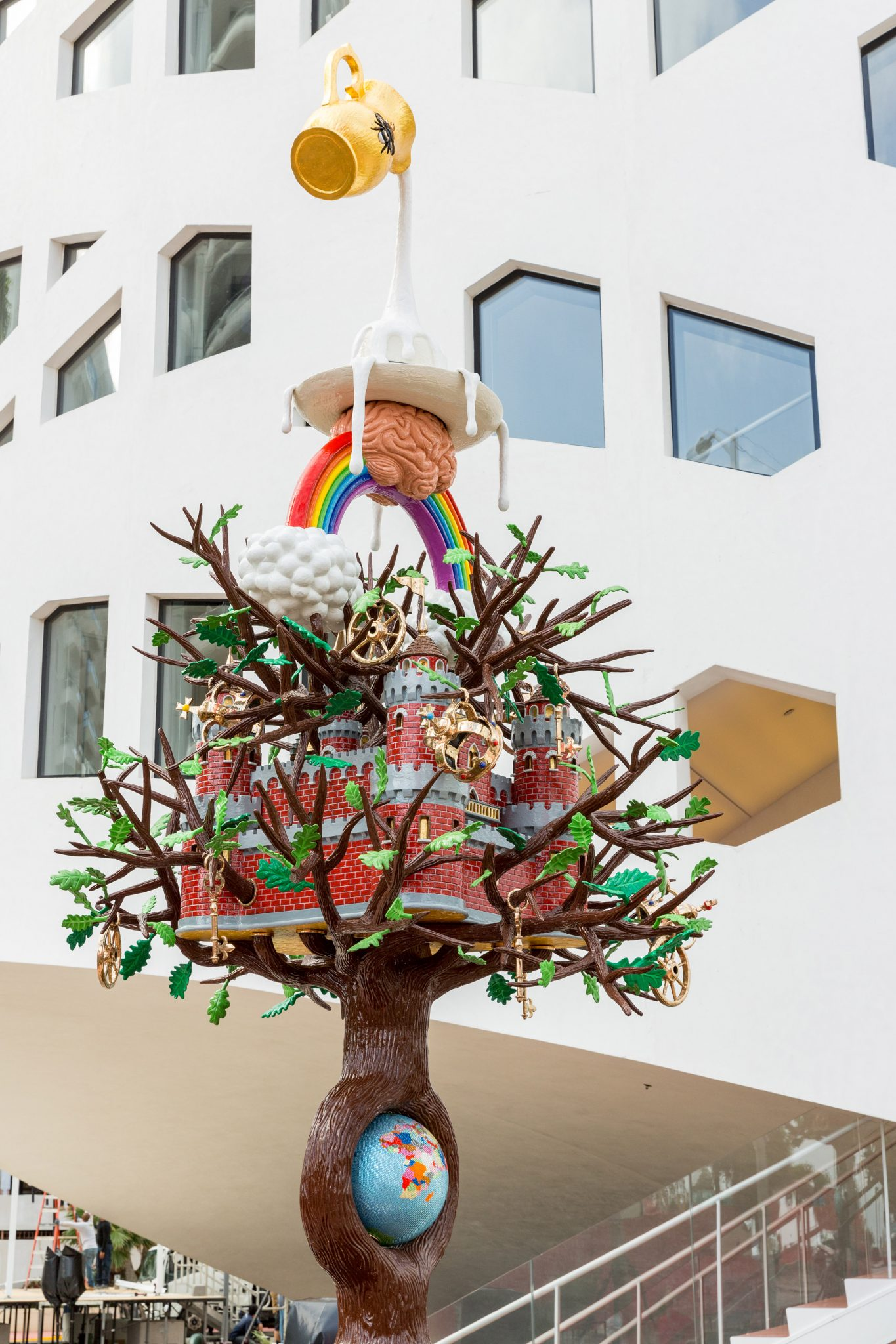 studio-job-tree-of-life-design-miami-statue_dezeen_2364_col_1