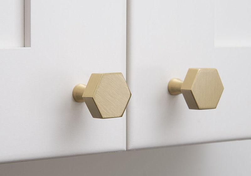 minimalist-kitchen-hardware-311216-609-04