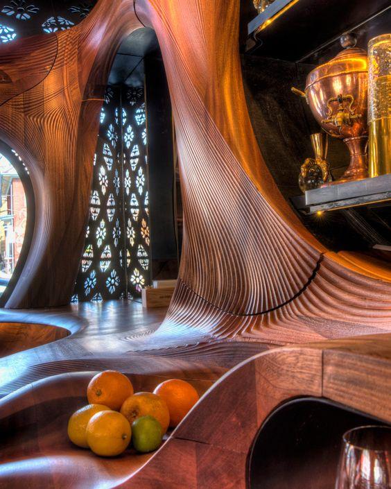 Bar spaniol mahon stil Gaudi Toronto
