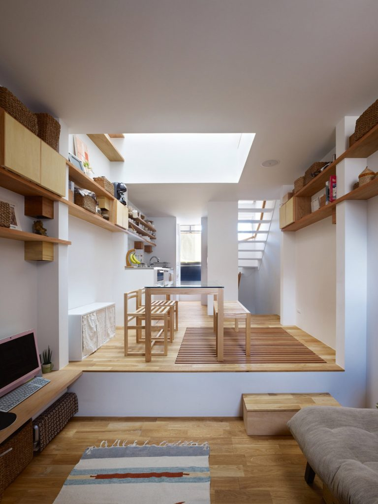 tiny-house-kobe-fujiwaramuro-architects-japan-_dezeen_2364_col_1