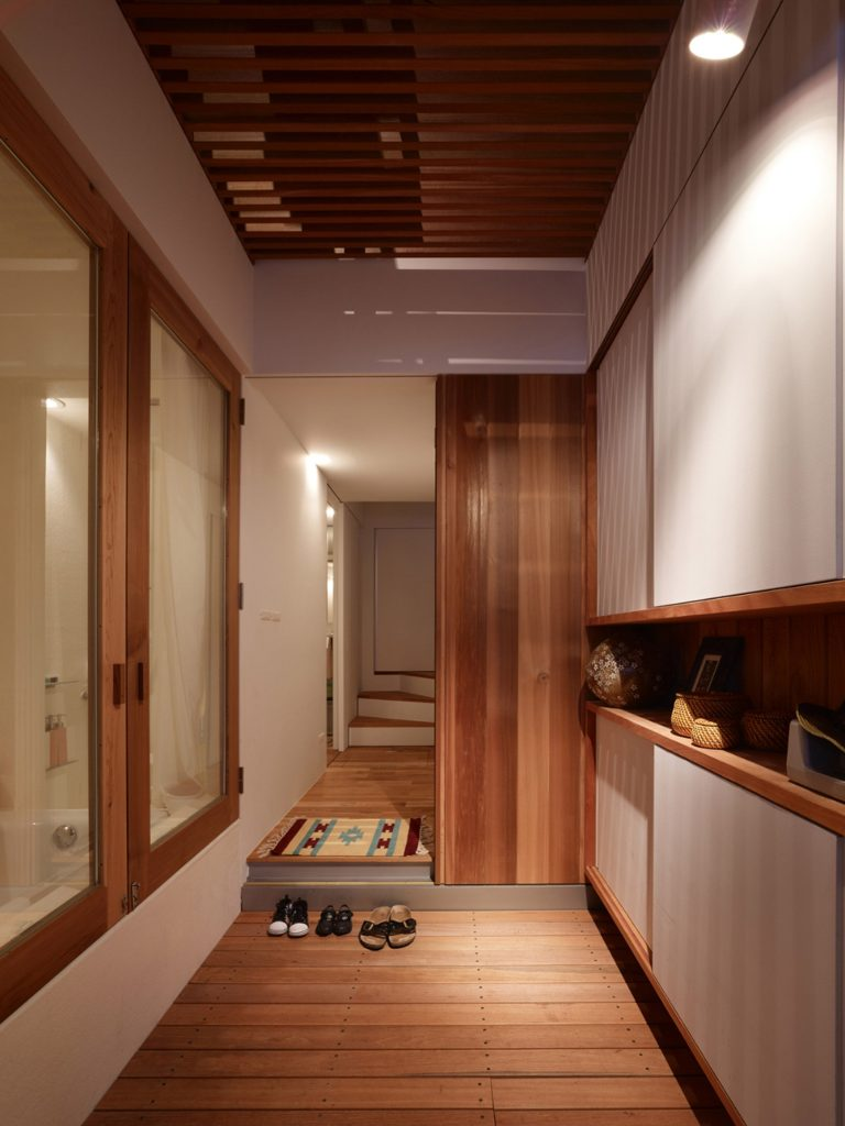 tiny-house-kobe-fujiwaramuro-architects-japan-_dezeen_2364_col_7