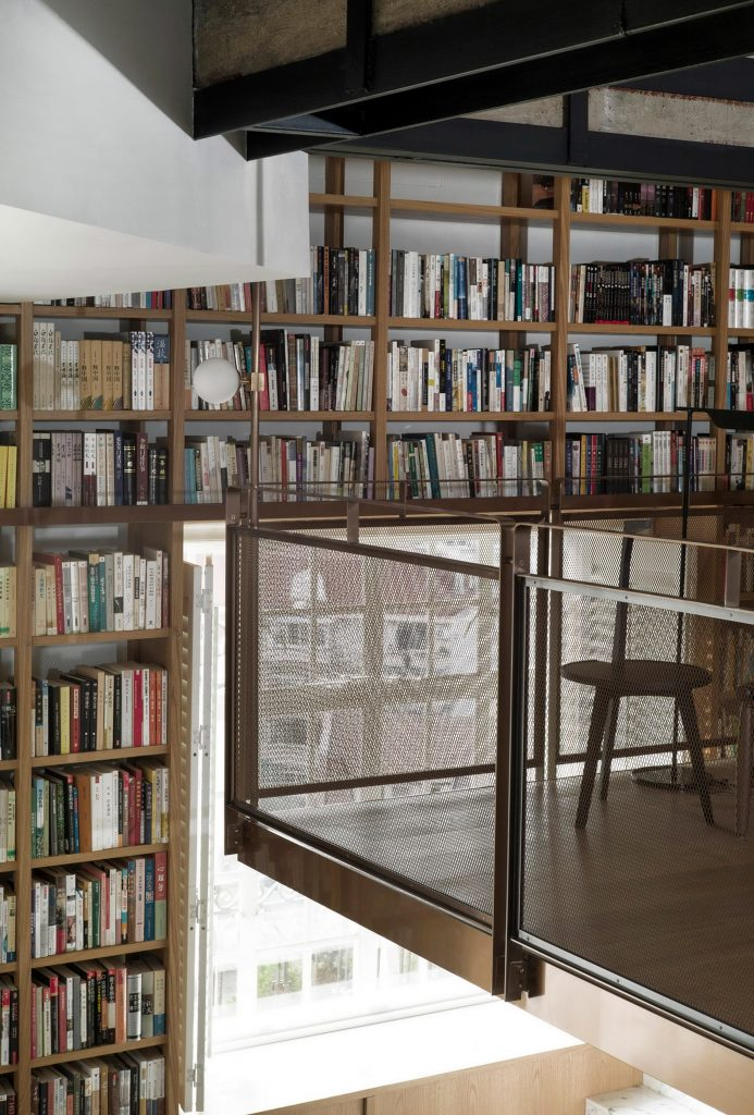 library-home-atelier-tao-c-interiors-residential-shanghai_dezeen_2364_col_6