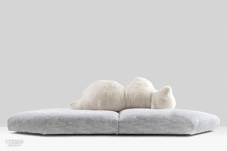 8. Canapea umplută cu fulgi, Pack, Gellyfoam, blană din poliester și piele de Edra