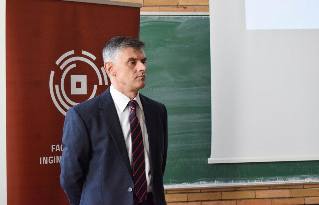 Prof. Dr. Ing. Mihai Ispas Decanul Facultății de Ingineria Lemnului din Brașov
