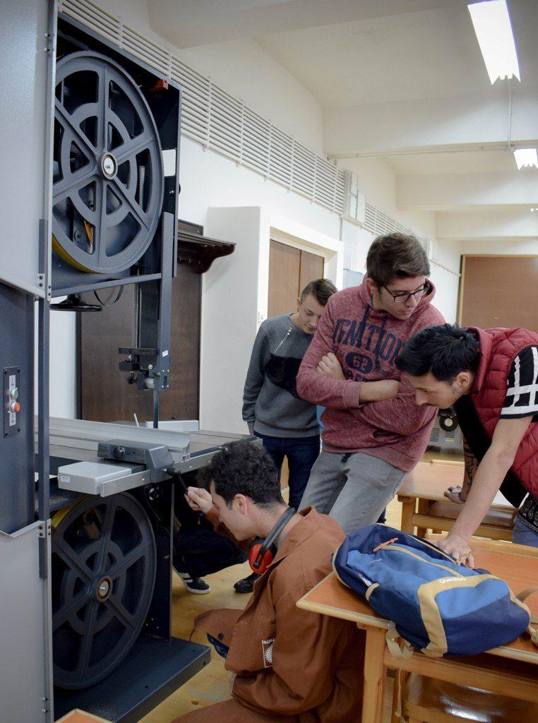 Studenti la Facultatea de Ingineria Lemnului Universitatea Transilvania din Braşov 3